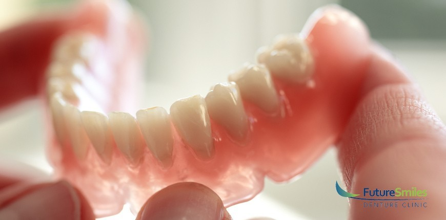 8 Signs Your Dentures Need to Be Repaired